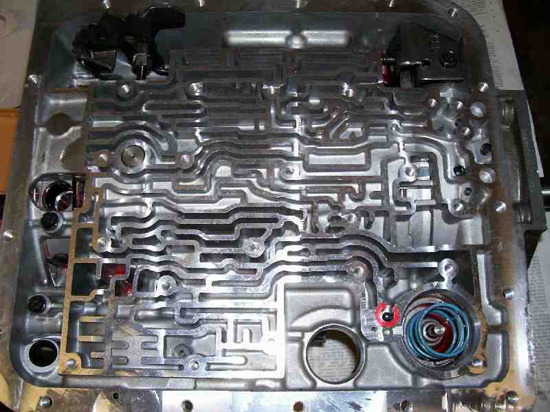 4L60EUpperValveBodyCheckLg manually controlled automatic transmissions myth or fact? th350 transmission valve body diagram at panicattacktreatment.co